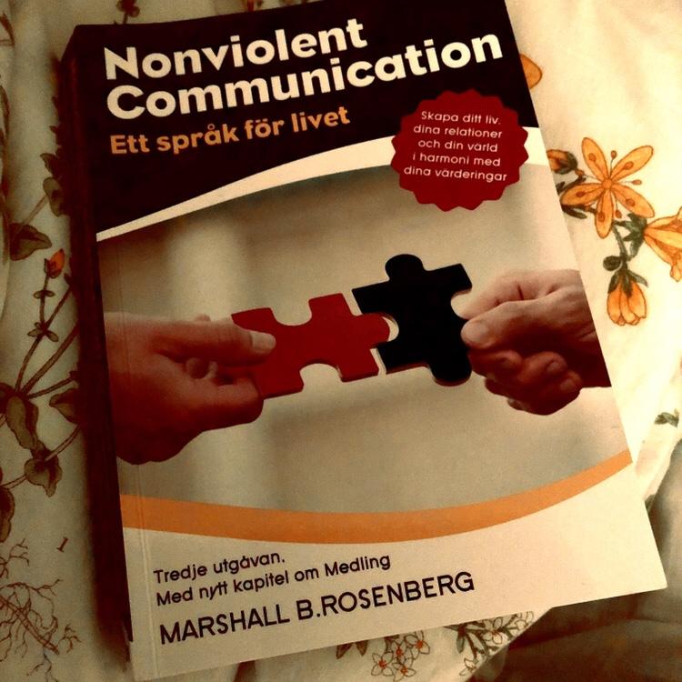 """""""Jag känner…""""eller? Nej, """"jag tycker…"""" (om nonviolent communication även kallat """"giraffspråket"""")"""